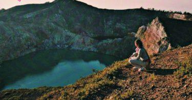 Alba al vulcano Kelimutu