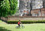 Sukhothai in bicicletta fra i templi