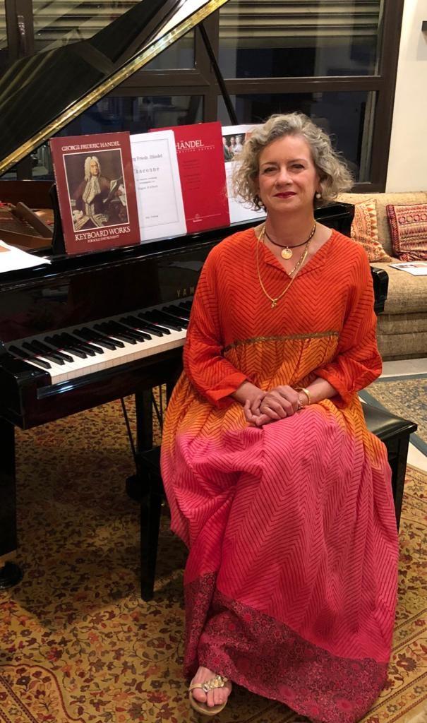 Maria Angela Capello al pianoforte